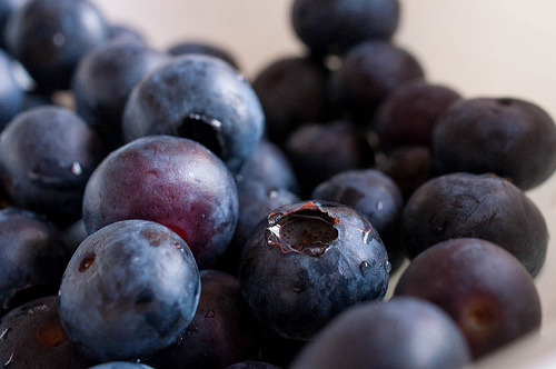 cravingsforfood:  Blueberries.