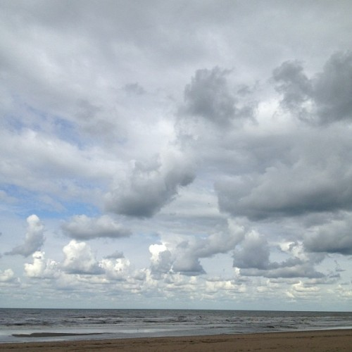#beach #blue #sea #sand #sky #clouds #locationscout #katwijk #igersholland #igersrotterdam  (Taken with Instagram at Strand Katwijk Bij Willy Zuid)