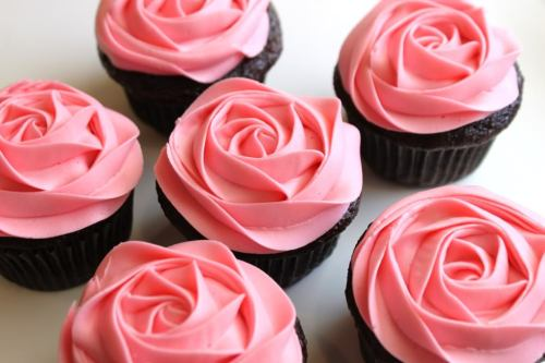 thecakebar:  Rose Cupcake How-to Video