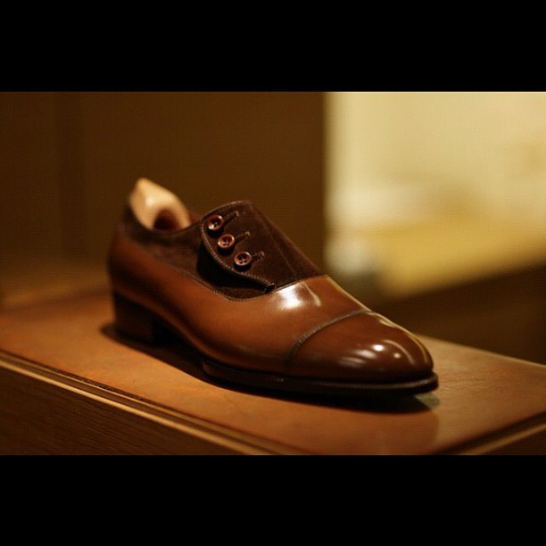 Buttons instead of Buckles… That is sick! #mensfashion #mensshoes #cordovanbrownshoes (Taken with Instagram)