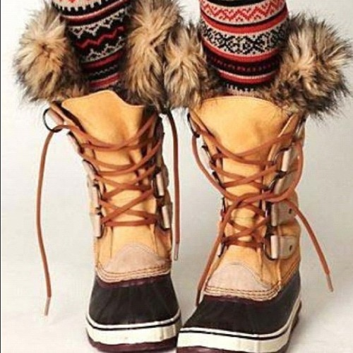 I want these boots and the tights!!! #joanofarctic #sorel #winter #fashion  (Taken with Instagram)