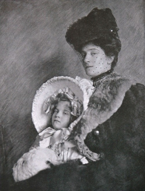 Lady and Child, 1907 by Cavendish Morton