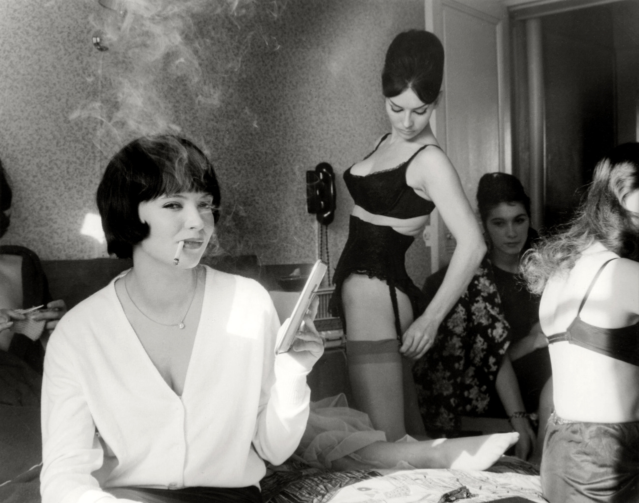 50 years ago today Jean-Luc-Godard's Vivre sa vie premiered in France.