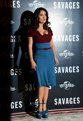 (Salma Hayek Hot At Savages Photocall In London- 6 Pics)