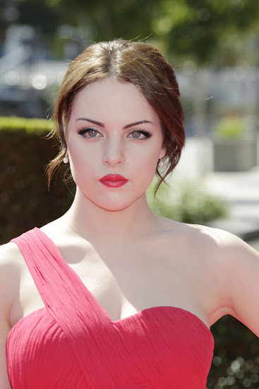 (Elizabeth Gillies Hot At Creative Arts Emmy Awards In Los Angeles- 6 Pics)