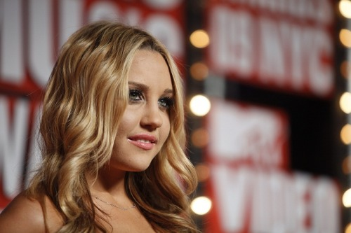 Amanda Bynes says she's moving to NYC to start her fashion line. Are you buying this? Read more on Fashion & Style.