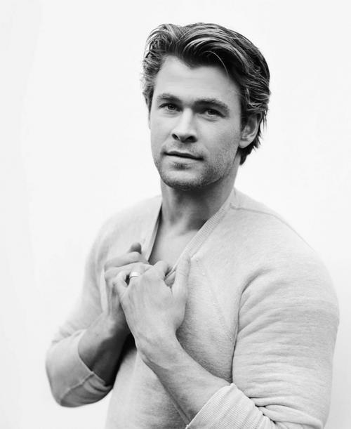 Chris Hemsworth, such a fantasy……yumm