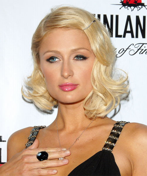 Paris Hilton Gay Bashing Controversy 'Beyond Lame', Over 80 Percent Friends Are Gay (via Mstarz)