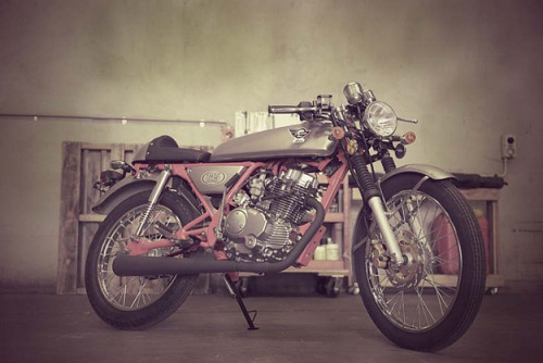 youngmanandoldsoul:  Sky Team Motorcycles presents: 60's ACE 125