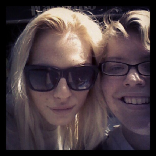 andrejpejicpage:  Leanna Renee ‏met Andrej Pejic walking down 2 Ave NYC. Photo from leannuh47 instagram