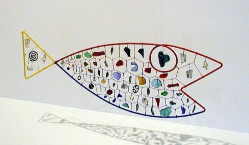 Alexander Calder, a fish mobile ( Fish, circa 1944). Hirshhorn Museum & Sculpture Garden. (via fish–it's friday « the republic of less)