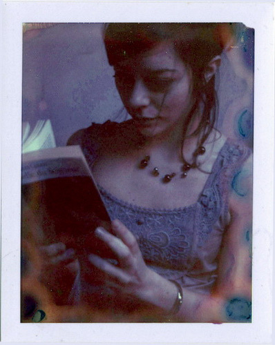 Reading by emilie79* on Flickr.