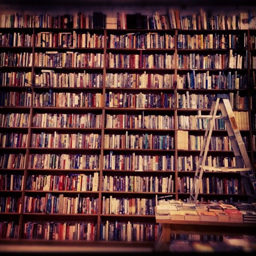 smallsidenotes:  Finally…mmm books feed my soul #bookstore #knowledge #peace (Taken with Instagram at Powell's Bookstore)