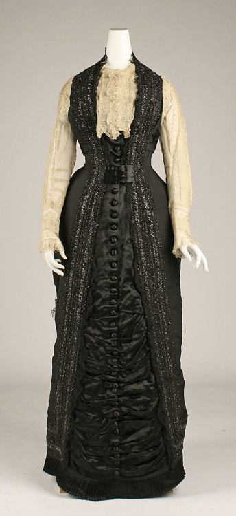 Dress 1877 The Metropolitan Museum of Art