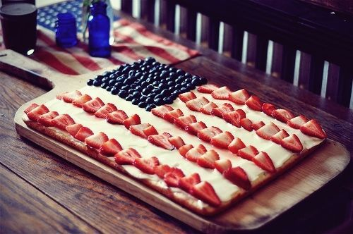 strawberry blueberry usa flag cream cake