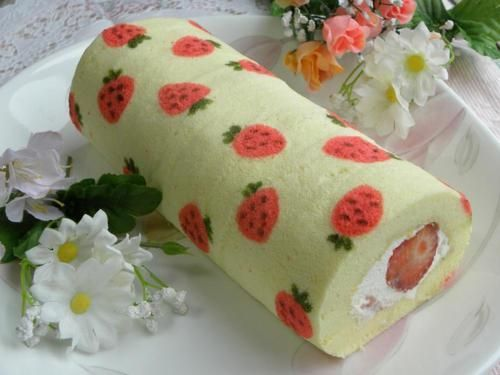 strawberry rollsponge cakecream