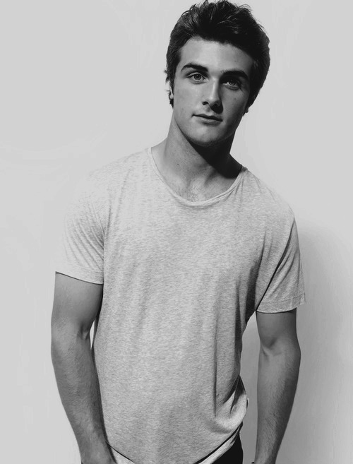 kendra-adair:  TEAM MATTY ;)