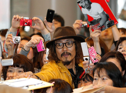 douglashaddow:  In an alternate dimension, Japanese Johnny Depp is the highest-grossing movie star on earth and has the power to invade and control the dreams of children.   Tim Burton Anime.