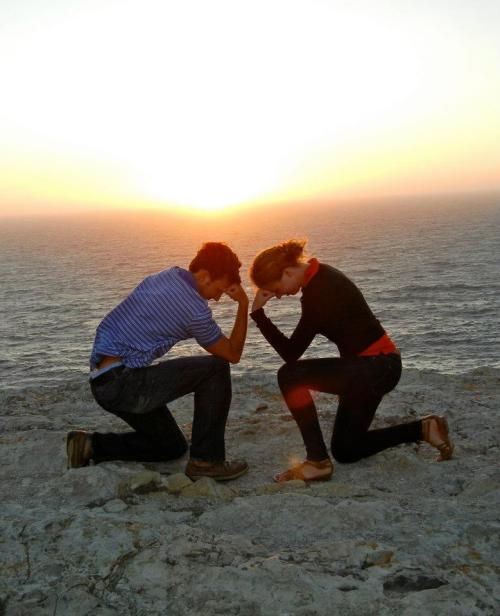 "Tebowing at the ""End of the World"" - Portugal"