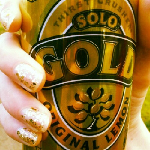 #solo #gold #sparkly #nails #geddit?  (Taken with Instagram)