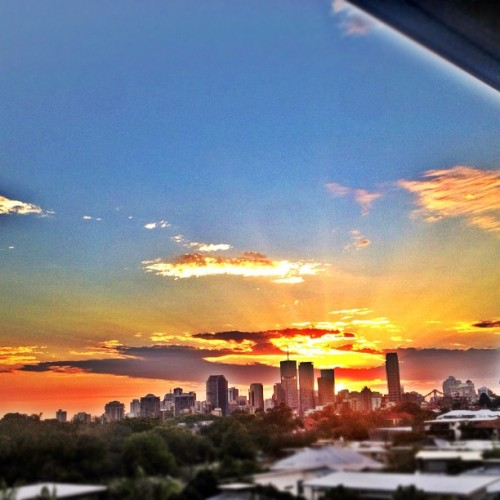 Another beautiful Brisbane #city #sunset #igersbrisbane (Taken with Instagram)