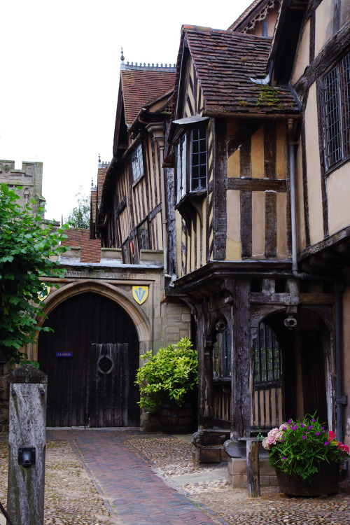 enchantedengland:  iridescent-photography:Warwick, UK. enchantedengland:  SQUEEE I know this place! This is the Lorde Leycester Hospital in Warwick, Warwickshire; which is not a medical establishment but a retirement home for ex-servicemen and their wives. The word hospital is used in its ancient sense, meaning 'a charitable institution for the housing and maintenance of the needy, infirm, or aged'    The Hospital is a group of historical timber-framed buildings, constructed in the late 14th centuryand clustered tidily round a Norman gateway. The 12th century Chantry Chapel is above it; and hidden behind these venerable edifices is the tiny, delightful Master's Garden. The Hospital is open to the public and welcomes visitors throughout the year; with rooms available for civil ceremonies and weddings and private functions and such.