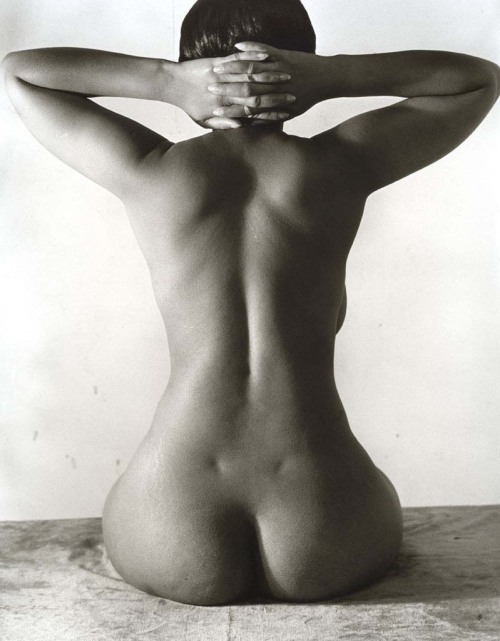 mudwerks:  (via Madrid Imogen Cunningham | Le Journal de la Photographie) Nude, 1939