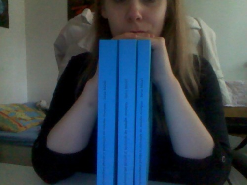 These are the books for ONE class. ONE. 581 pages. Do I just kill myself now or ?