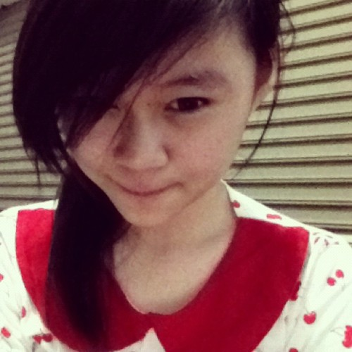 #me #myself #today #red #collar  (Taken with Instagram)
