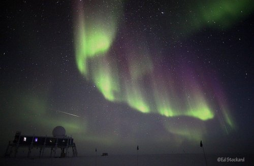 'Tis the season for northern lights (Photo: Ed Stockard) Summer isn't even over in the Northern Hemisphere, but the season of the northern lights is clearly getting an early start. Saturday's autumnal equinox marks the traditional start of the aurora season in Arctic regions, and with solar activity building up to the top end of its 11-year cycle, we can expect more than the usual allotment of glow-in-the-dark skies. For some reason, this last week of summer has been particularly active on the sun. Read the complete story.