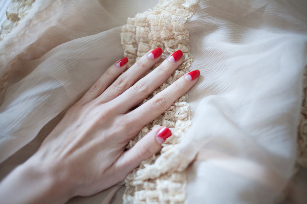 calivintage:  pretty nails by Jessica Silversaga.