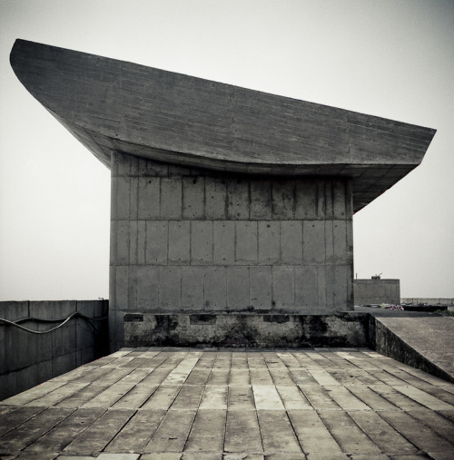 architectureofdoom:  hasselblads:   (by Giada Aline)   Chandigarh, Le Corbusier