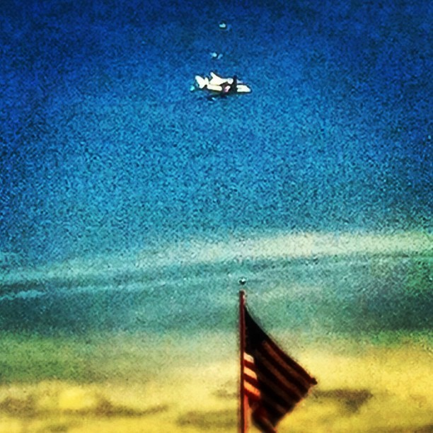 Space Shuttle Endeavor #spaceshuttleendeavor #losangeles #hollywood #flyover #california #ig #iger #igers #instapic #instacool #instagram #photomania #picoftheday #popularpics #bestof #bestpics  (Taken with Instagram at CBS Television City Stage 43)