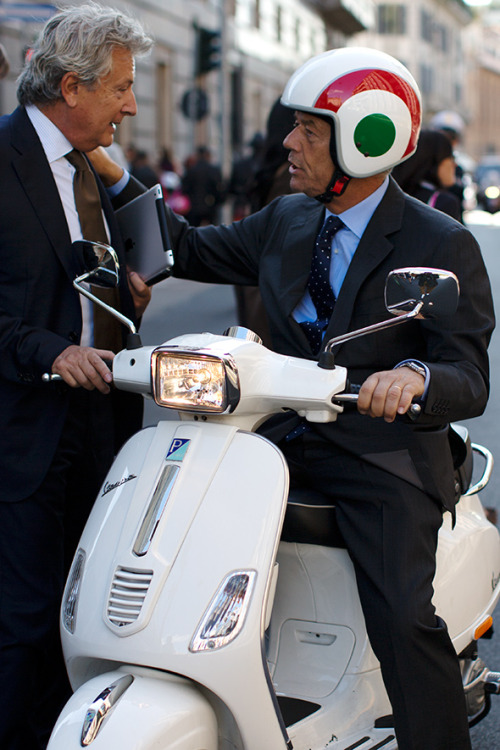 djsnaps:  On the street…Via Senato, Milano. Shot by The Sartorialist