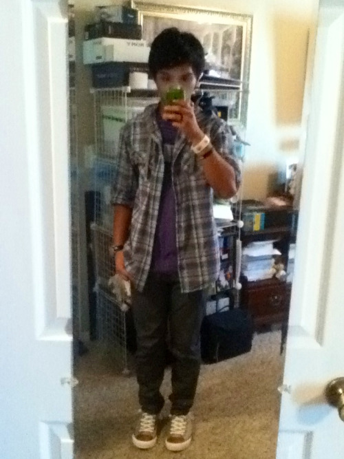 Outfit for the day! Heading out with Denise in a bit. Writing exam tonight and moving in tomorrow. College, here I come!