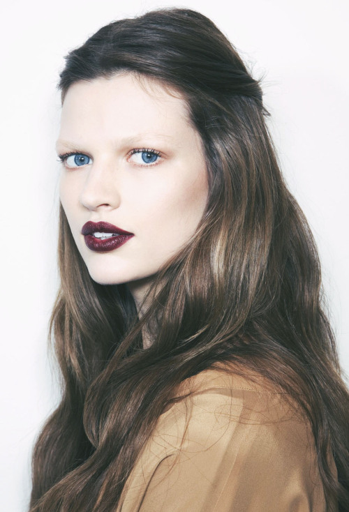 ducrie:  Bette Franke backstage at Gucci F/W 12