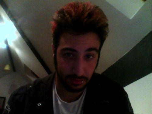 abjimmyz:  Lip piercing, trying to be Zacky Vengeance with a beard. Pfft, I can only dream :P  REDD HOTT!!!