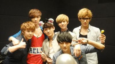 ontao:  cr: Exo M's official site