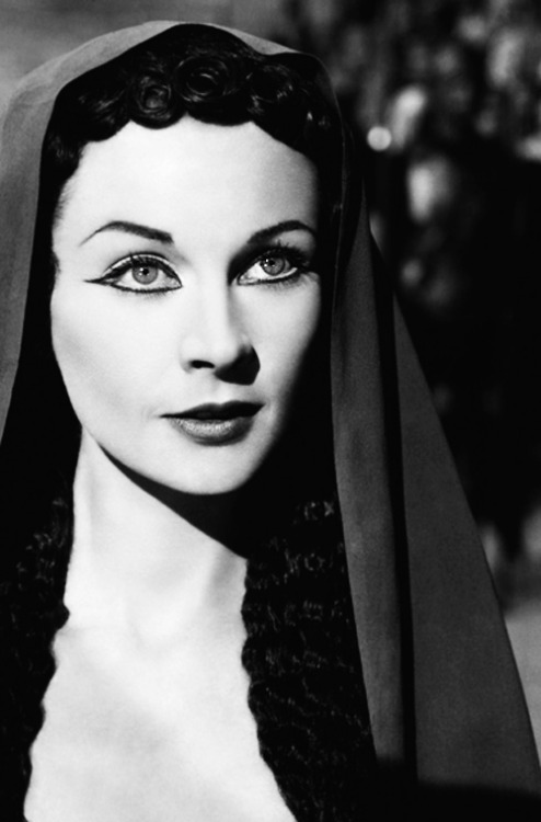 vivienandrita:  Vivien Leigh in Caesar and Cleopatra (1945)