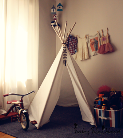 boyswithbanjos:  DIY Teepee {via Baby Black Bird}