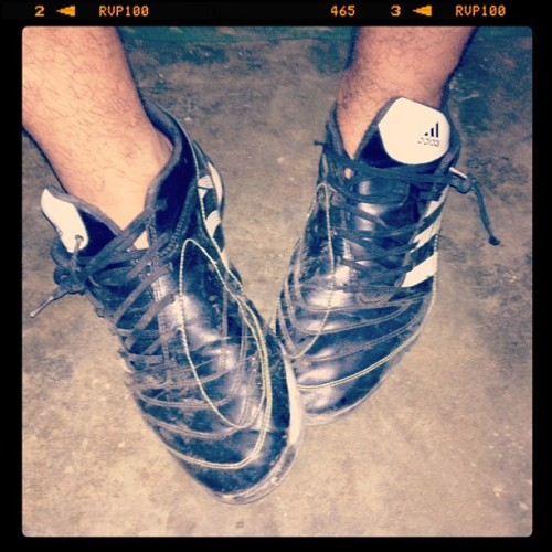 #playing #soccer #shoes  (Tomada con Instagram)