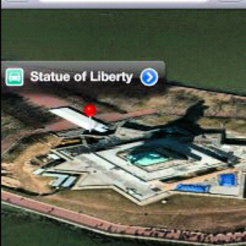 La estatua de la libertad, según maps de #iOS 6  (Taken with Instagram)
