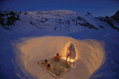 Sexiest igloo. Ever. [Iglu-Dorf Hotel in Zermat, Swizerland] Chilly, sexy, love. Brought to you by your friends at luckybloke.com - where you can buy the best condoms in all the land…