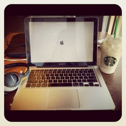 Early today. Serenity. #MacBookPro #Starbucks #Bose #freewifi #fbf #flashbackfriday #Apple #frapp #iphonegraphy #love #instagood #iphonesia #photooftheday #instamood #igers #me #cute #iphoneonly #instagramhub #picoftheday #girl #jj #instadaily #bestoftheday #sky #igdaily #beautiful #webstagram #summer (Taken with Instagram)