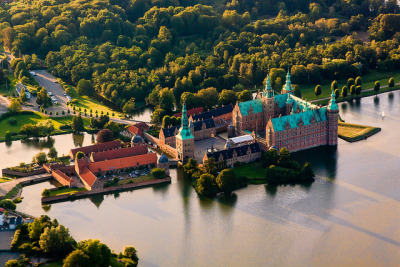 visitheworld:  Aerial view of Frederiksborg Castle in Hillerød, Denmark (by Ulrich J).