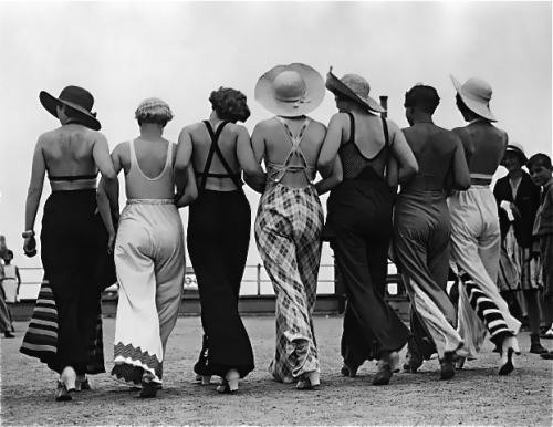 1930s beach and lounging pyjamas