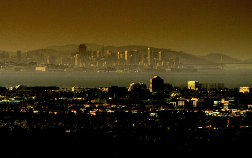 olliemaxwell:  San Francisco from Palo Alto  Loving this shot! But…how could it be from Palo Alto, when that's on the Peninsula, and there's obviously a lot of bay between the photographer and San Francisco? Or is there some secret spot in Palo Alto that juts enough into the water that you can do this?