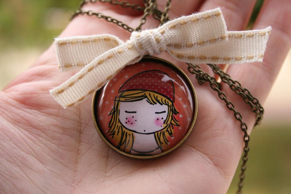 This adorable pendant would make the perfect gift for any little princess! ♥ via vianaloves