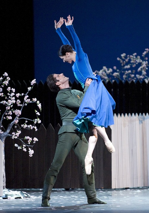 thedailyballet:  Marcelo Gomes and Paloma Herrera in Alexei Ratmansky's On the Dnieper. Photo by Gene Schiavone.