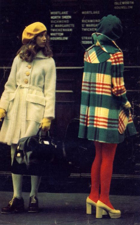 thecolourfulpast:  opsena:  october 1972.  Flawless fashion!